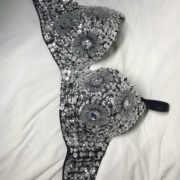 67b055dd66885f DIAMOND STUDDED BRA. M 5b4ce362fb3803b11cd5d01c